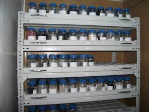 Rafturi metalice pentru laboratoare